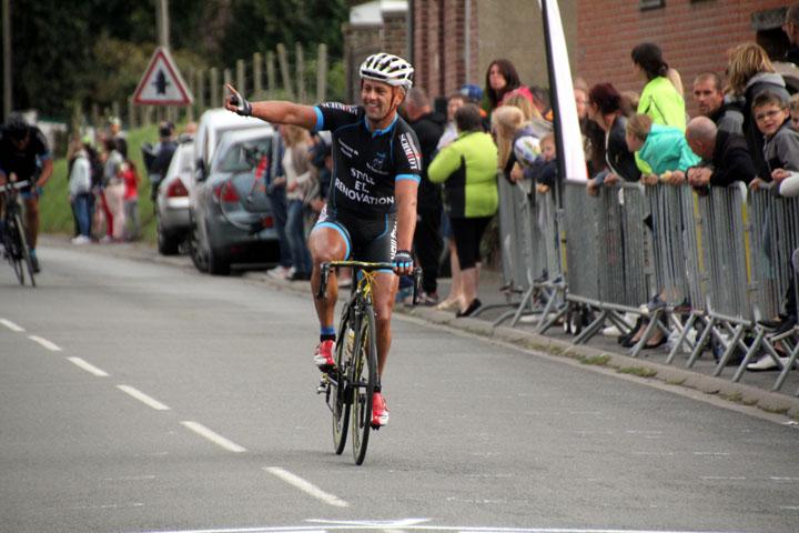10ème Prix cycliste UFOLEP «  Lucien Vastesaeger » à Maulde ( 1ère, 3ème cat, cadets )