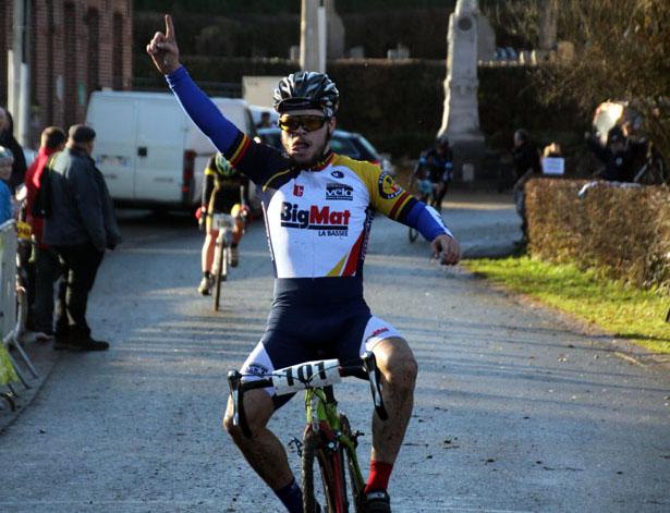 Championnat départemental Nord cyclo cross UFOLEP à Hecq (  Séniors et Juniors )