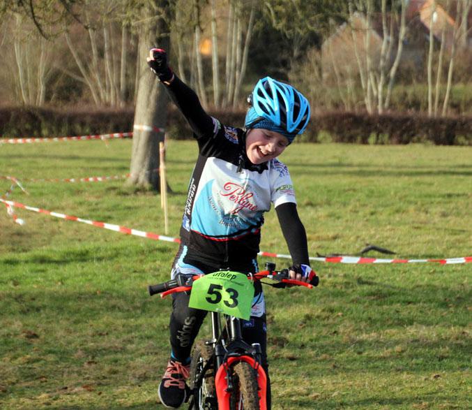 Championnat départemental Nord cyclo cross UFOLEP à Hecq (  Ecoles de vélo )