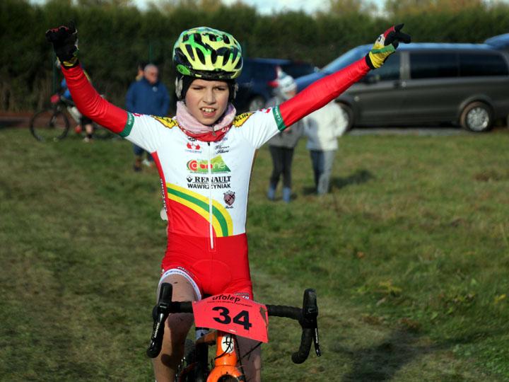 1er cyclo cross VTT UFOLEP d'Estevelles ( Minimes – Cadets et Féminines )