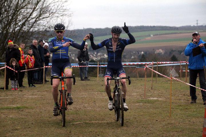 Cyclo cross UFOLEP : Grand Prix Amiens Métropole à Salouel ( 1ère et 2ème cat )