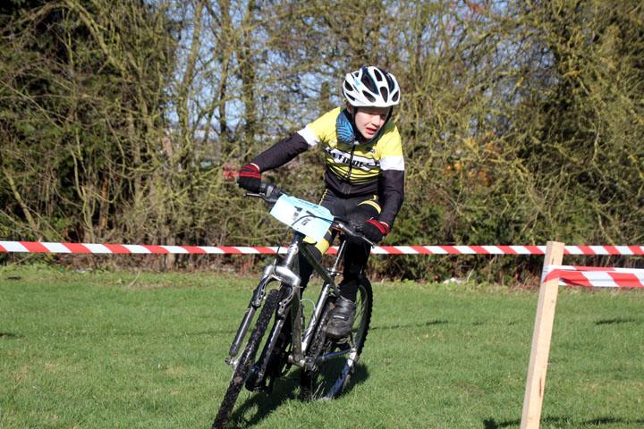 2ème Cyclo cross VTT UFOLEP d'Hornaing ( Ecoles de cyclisme )