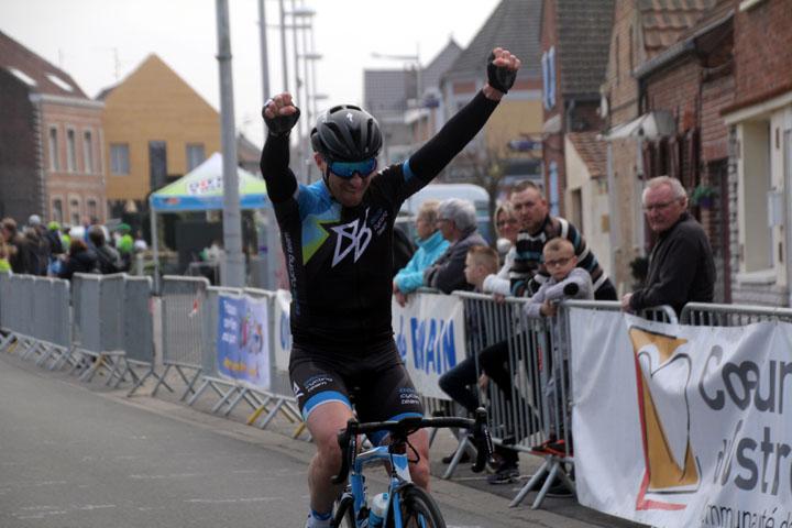 9ème Prix cycliste UFOLEP « Emile Broutin » à Fenain ( 2ème, 4ème cat et féminines )