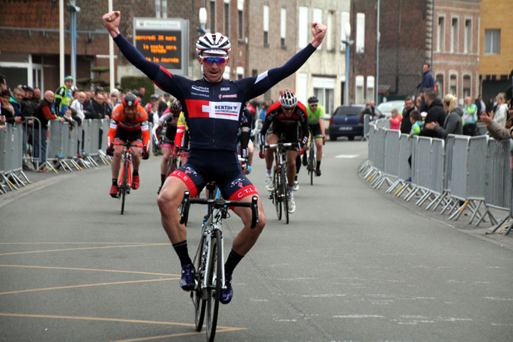 9ème Prix cycliste UFOLEP « Emile Broutin » à Fenain ( 1ère,3ème cat et cadets )