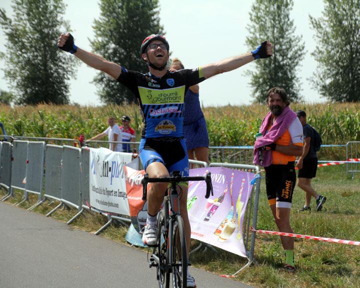 Grand Prix cycliste UFOLEP de la Bayonne à Hergnies ( 2èmes cat, 4ème cat et Féminines )