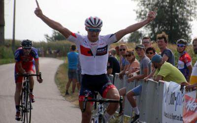 Grand Prix cycliste UFOLEP de la Bayonne à Hergnies ( 1ères, 3èmes cat et cadets )
