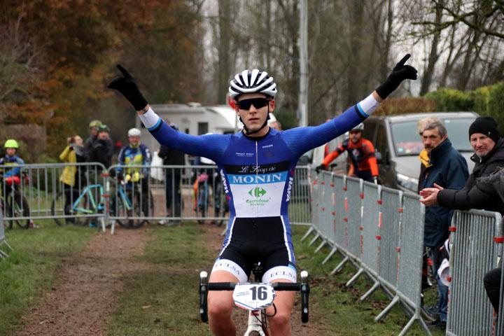 Cyclo cross UFOLEP à Agny ( coureurs extérieurs )