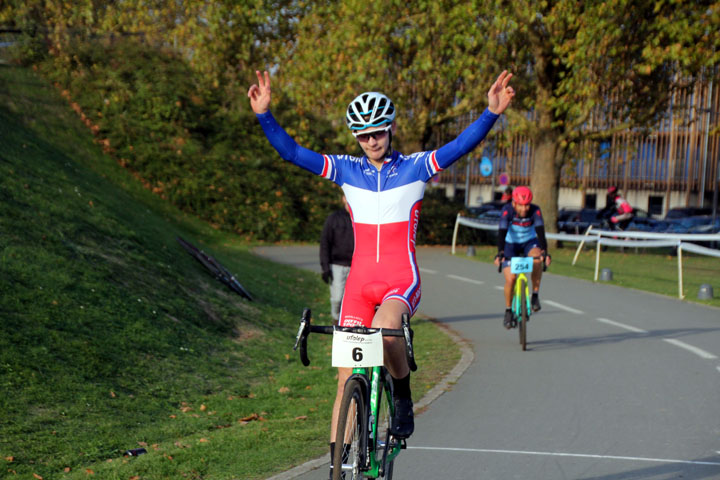 Cyclo cross UFOLEP BTWIN Village à Lille ( 1ère, 2ème et 3ème cat )