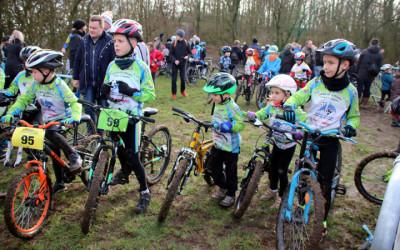 Cyclo cross UFOLEP d'Hénin ( non inscrits )