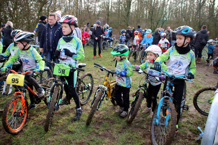 Cyclo cross UFOLEP d'Hénin ( non inscrits )
