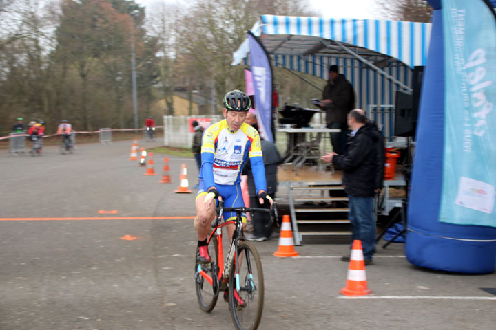 Pré National Cyclo cross UFOLEP de Salouel ( 3ème catégorie )