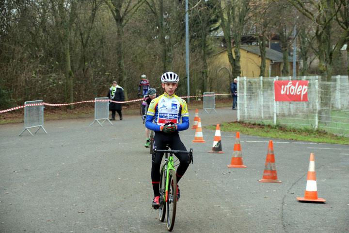 Pré National Cyclo cross UFOLEP de Salouel ( 2ème cat, 15-16 ans )