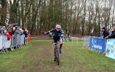 Championnat régional Flandres Artois Cyclo cross UFOLEP à Henin Beaumont ( Séniors,et Juniors )