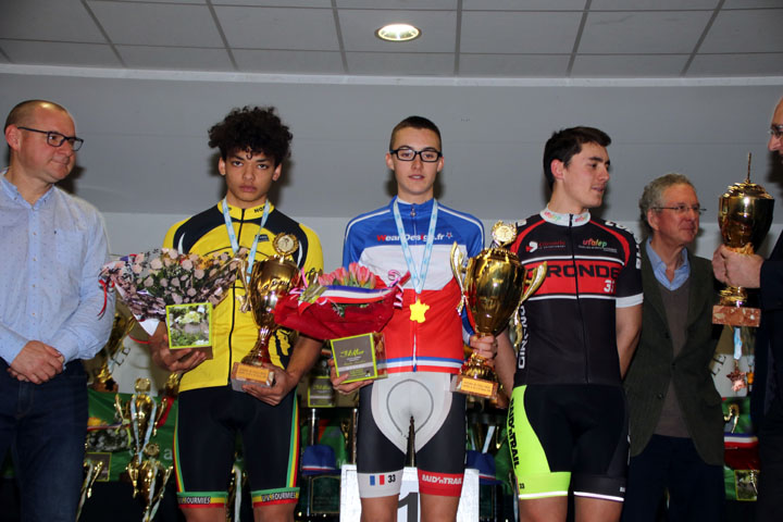 Championnat National Cyclo cross UFOLEP de Salouel ( 17/19 ans masculins )