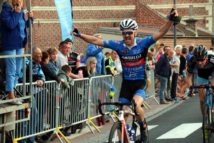Critérium cycliste UFOLEP de Lieu St Amand ( 1ère, 2ème cat et féminines )