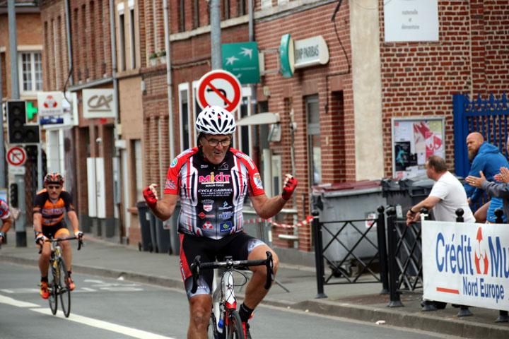 Grand Prix cycliste UFOLEP de St André ( 2èmes, 4ème cat et Minimes )