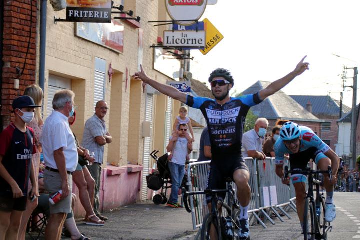 Grand Prix cycliste FFC de Gommegnies ( 1 2 3  Juniors )