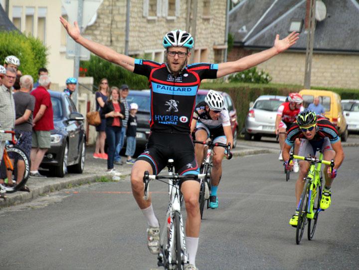 33ème Grand Prix des commerçants d'Hangest sur Somme ( Pass Cyclisme )